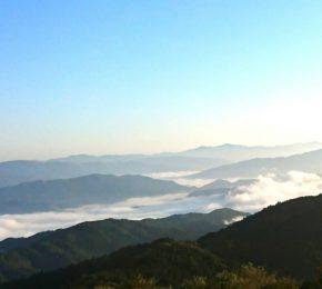 マシンガン真由美さんの塩塚高原の雲海